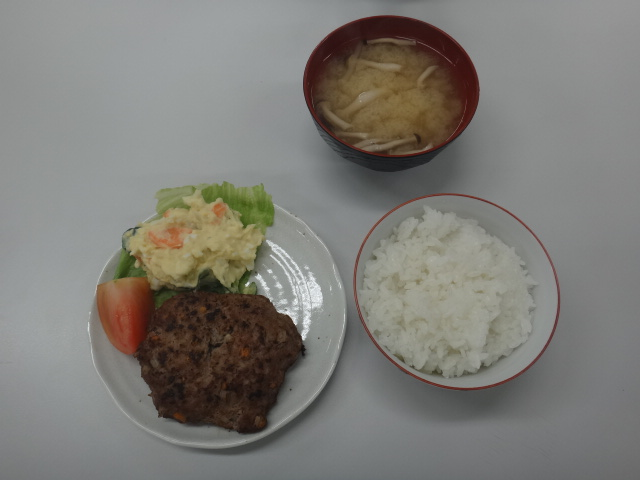 28ゆうご飯①.JPG
