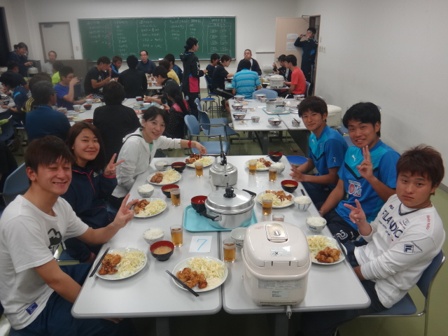 28ゆうご飯食べる③.JPG