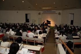智内氏 ピアノ演奏会